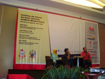 Talk Show Sesi I: Budi Putra, Leni Prihati dan Jimpe Rahman