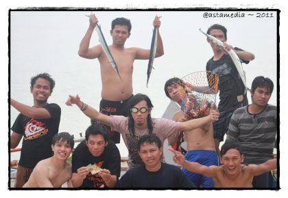 menangkap ikan di Samalona