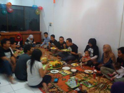 Makan Siang Bersama