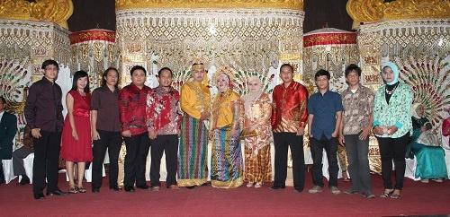 Keluarga Besar AstaMedia Group di Pernikahan Nanie - Anbhar