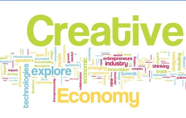 Kreatif Memanfaatkan Teknologi Online